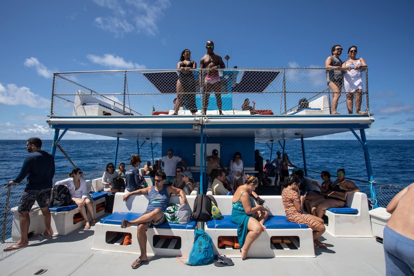 fernando de noronha revê capacidade de turistas na ilha