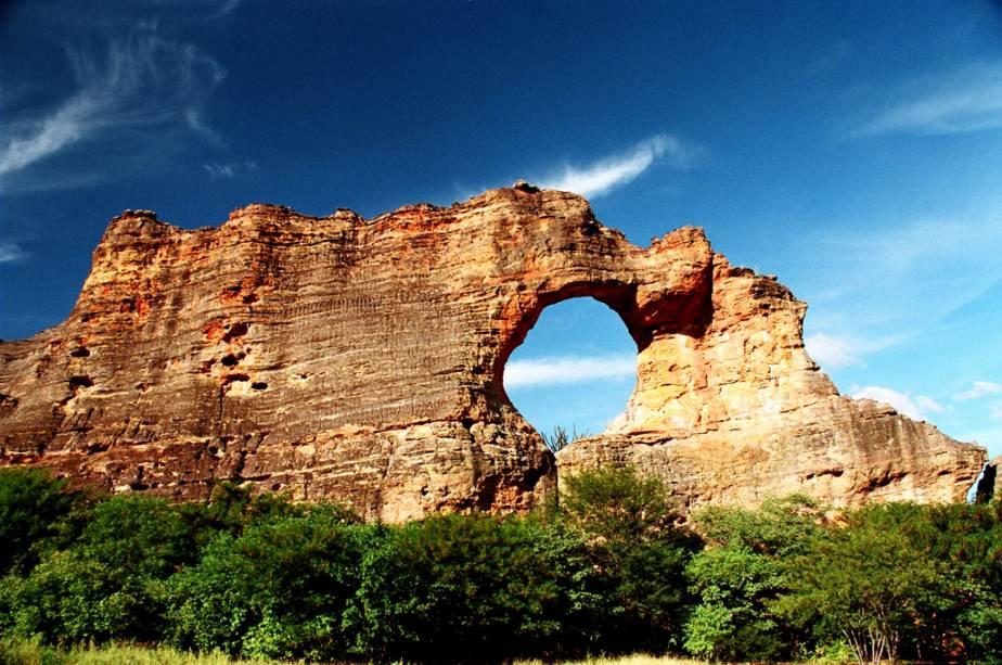 conheça os sítios arqueológicos da serra da capivara