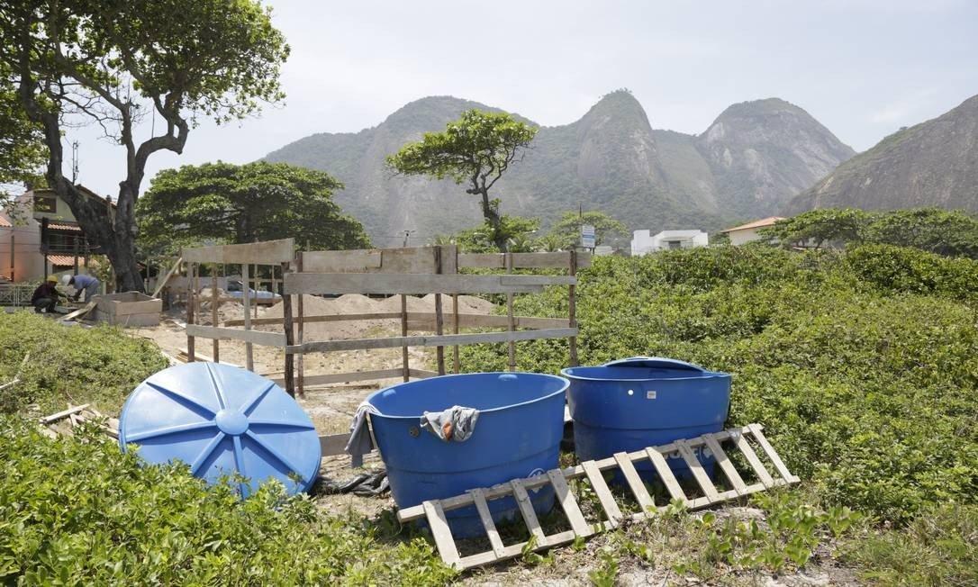 moradores de niterói querem suspensão de obra de posto salva-vidas