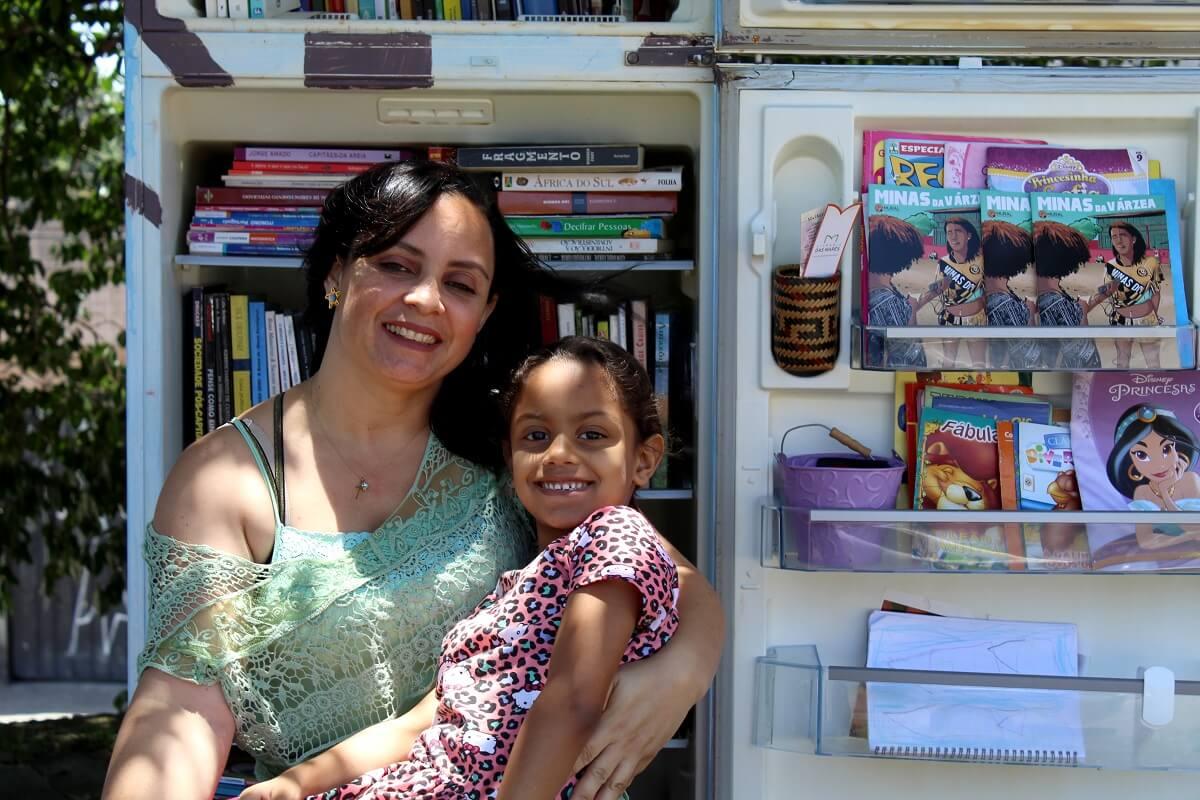 geloteca criada por líder comunitária incentiva leitura na ZO de SP