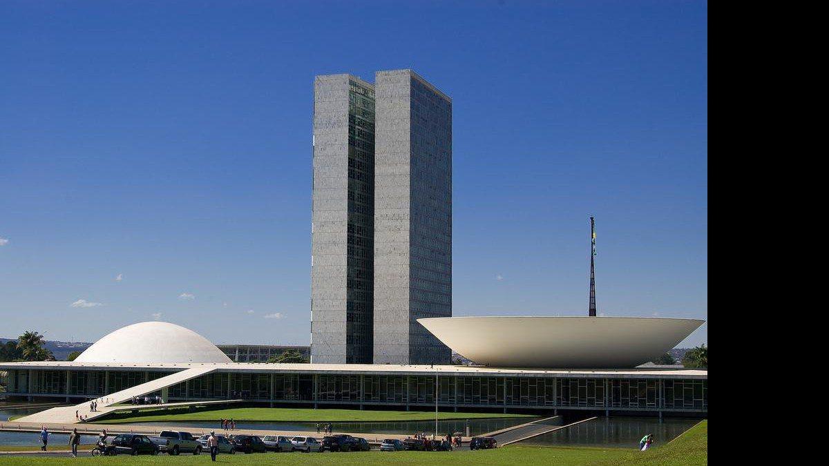 governador do df sanciona lei que reserva 20% de vagas em concursos a portadores de deficiência