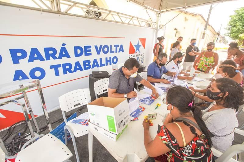 """governo entrega mais de 200 benefícios do """"sua casa"""" em curuçá (pa)"""